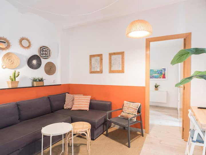 Apartment in Barceloneta 100m from the beach.