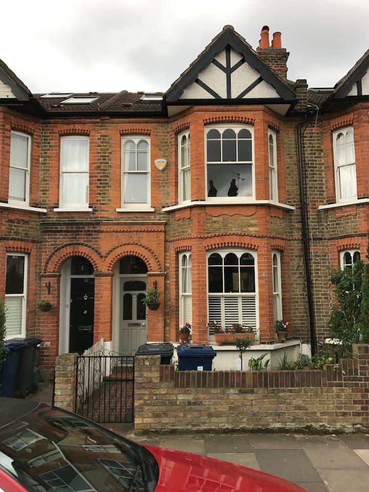 Elegant West London Home - Cat & Child Friendly