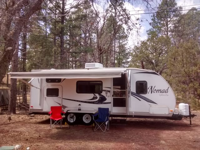Lakeside RV Close to Parks, Lakes, and Trails