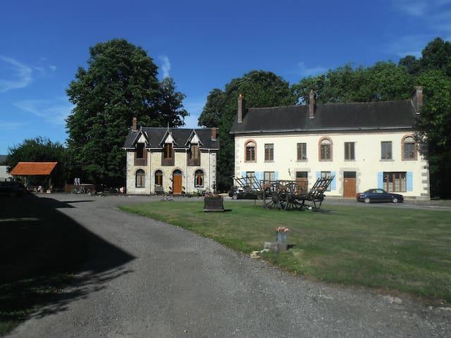 L'Atelier - Semallé - House