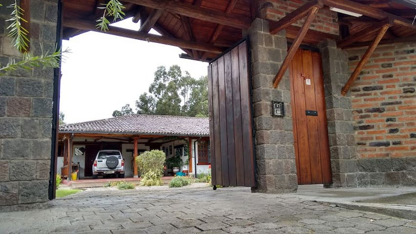 Amazing house in Sangolqui. Ecuador - Sangolqui - House