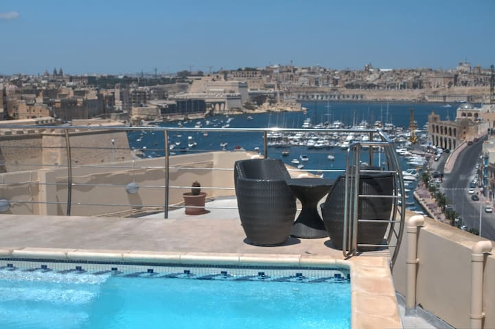 Outstanding Upper Valley View - Kalkara - Apartment