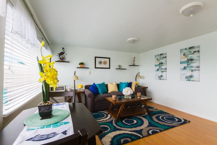 Coast Hwy Ocean View 1 Bedroom Rental - Laguna Beach - Bungalow