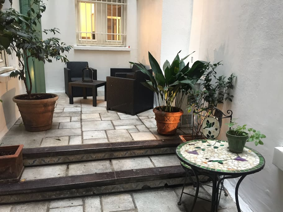 appartement avec sa terrasse priv e paris centre apartments for rent in paris le de france. Black Bedroom Furniture Sets. Home Design Ideas