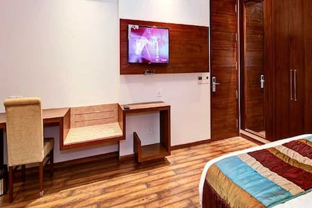 Executive Room with King-Size Bed in Central Delhi - Neu-Delhi - Boutique-Hotel