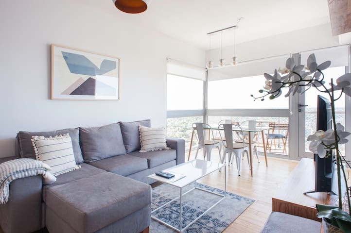NEW 2 bed apartment with the best views of BA!
