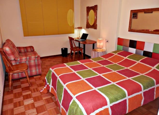 Habitación doble para visitas a Navarra y Pamplona