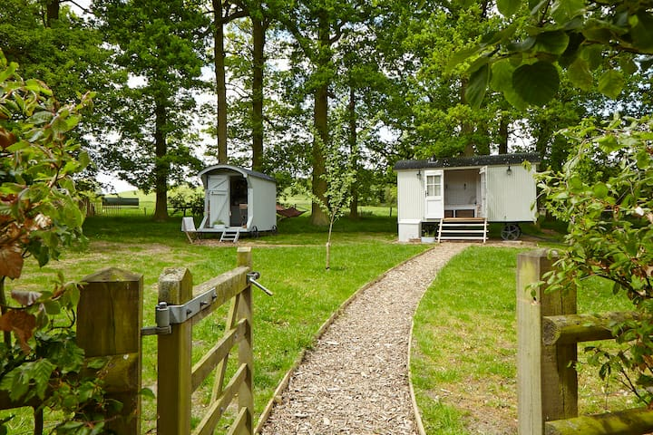 Shepherds huts in picturesque countryside location