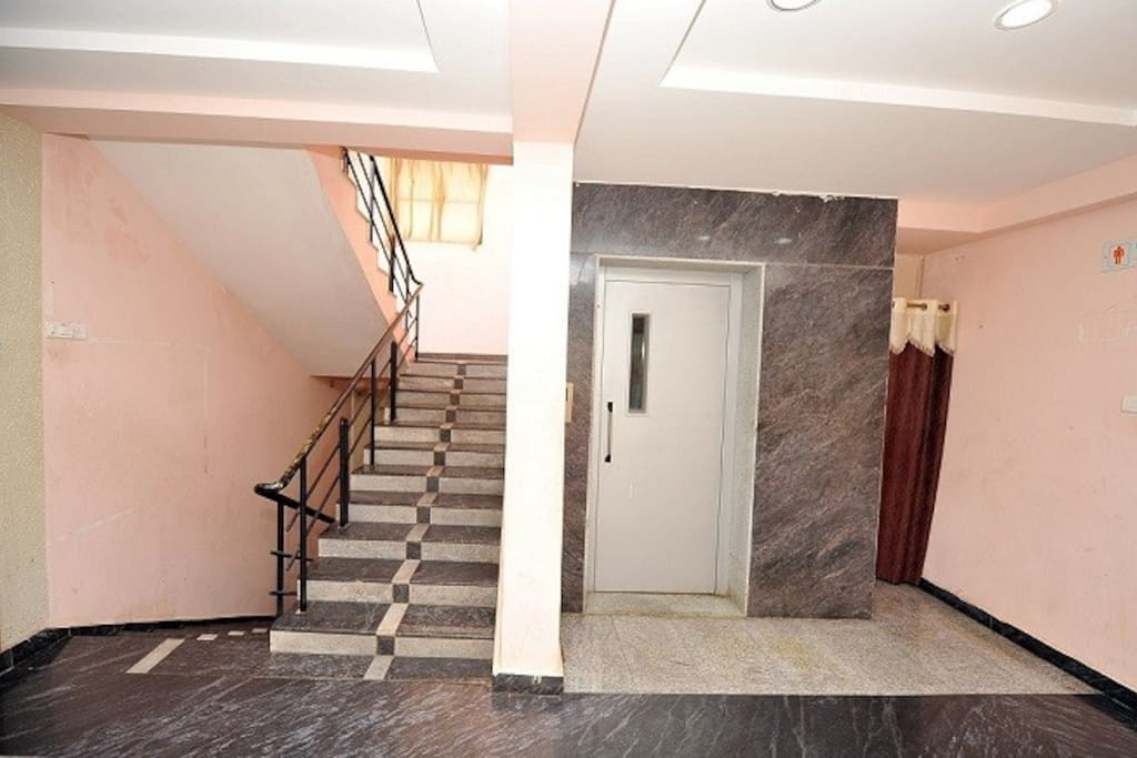 LIFT & STAIRCASE