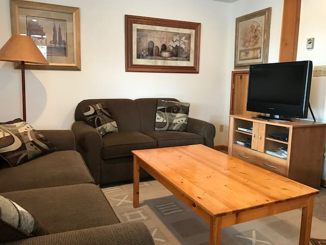 Whistler, Alpine Meadows 1 Bedroom Sleeps 4