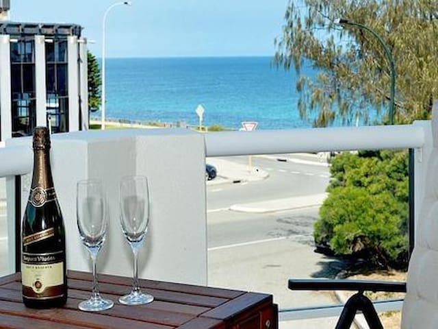 Cottesloe Beach View Apartment