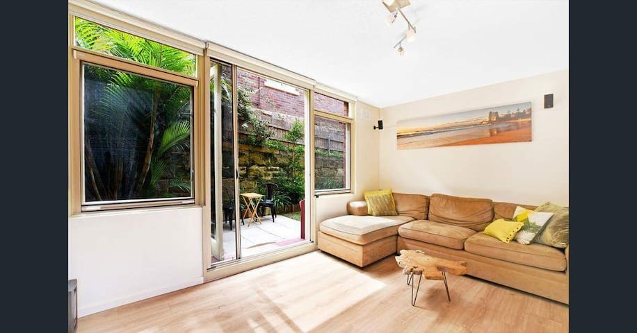 DOUBLE ROOM IN MANLY BEACH