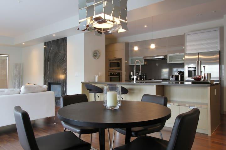 2Bd2BthLuxurious,wParking,1500sqFT - Calgary - Condominium