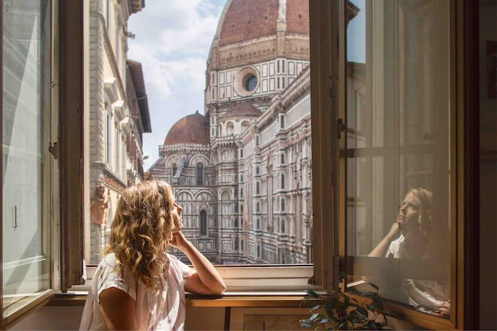Window to the Duomo • Unique artist studio