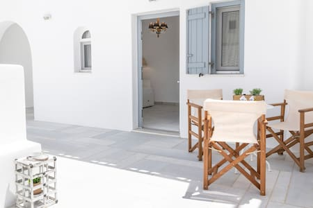 Arsis  Small House - Antiparos Port
