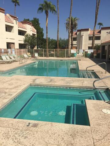 Remodeled first floor condo, heated pool, spa!