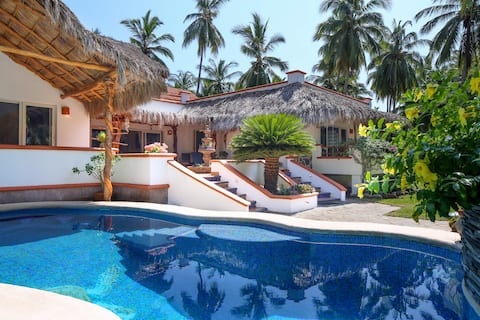 Casa de Colores / Playa Las Tortugas