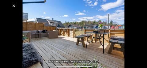 Leilighet med stor solrik terrasse