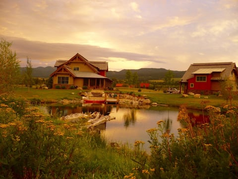 Fully Equipped Guest Lodge in Swan Valley, ID