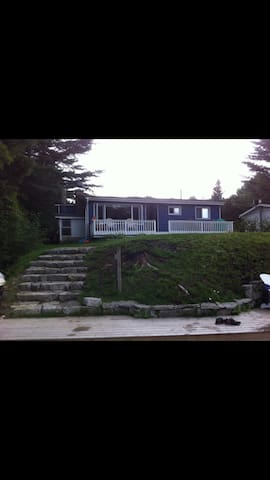 Recently Renovated Waterfront Home - Minden Hills - Cottage