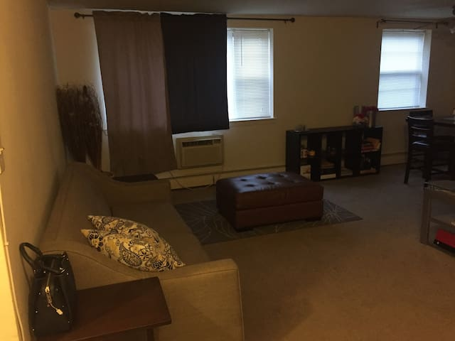 Private Unique Apartment - Home Away From Home - Philadelphia - Apartemen