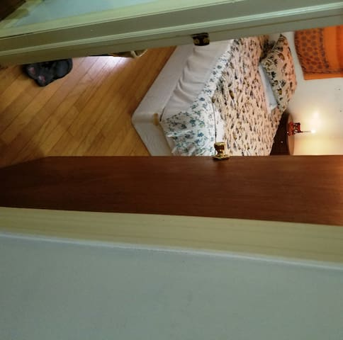 Cozy private room near city center - East Brunswick