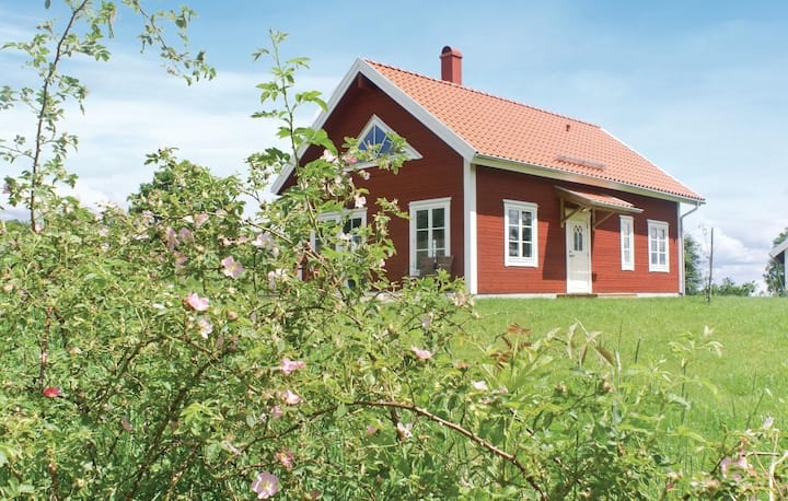 Amazing home in Vetlanda with WiFi and 3 Bedrooms