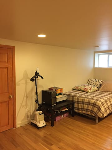 Large room, Easy access Manhattan, plenty parking - Leonia
