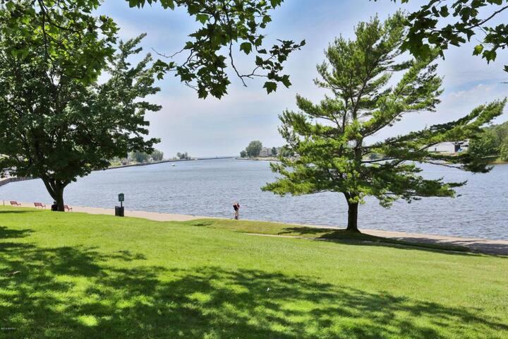 Grand Haven Waterfront Condo - Grand Haven - Ortak mülk