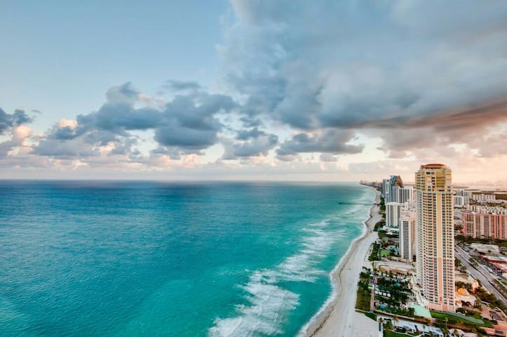 Cosy single room - Sunny Isles Beach - Appartement