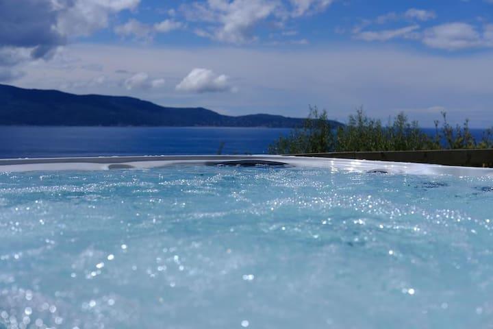 Villa vue mer avec jacuzzi **** T4