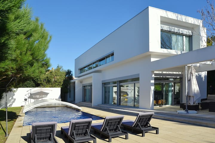 Villa Fortuna - Belas - House