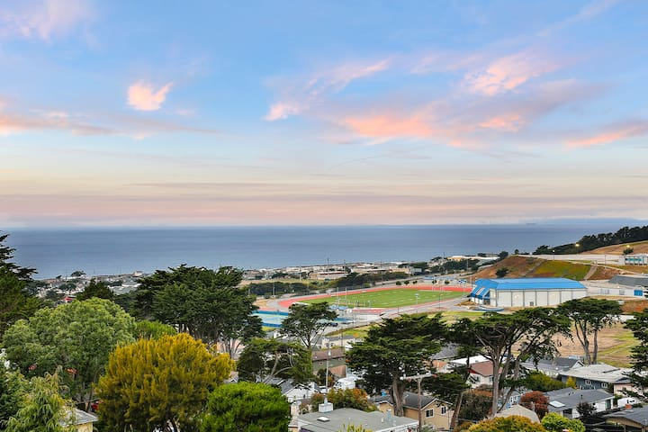 New! 5 Star Host Fits 18+ Golden Sunset Ocean View