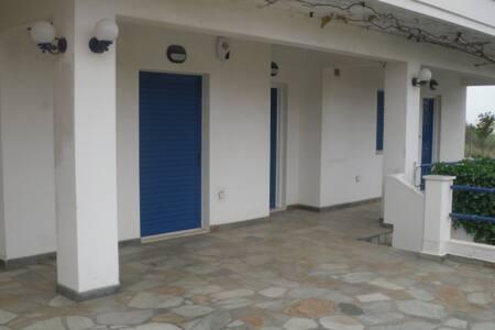 Near beach apartment for four! - Zoodochos Pigi - House
