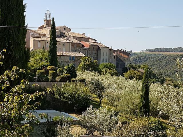 Maison entière de village, Drôme provençale