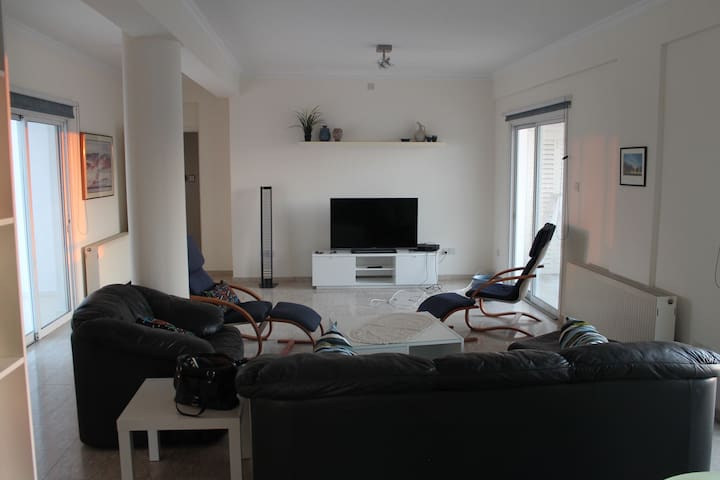 Penthouse - 3 BR Family Friendly - Nicosia - Apartment