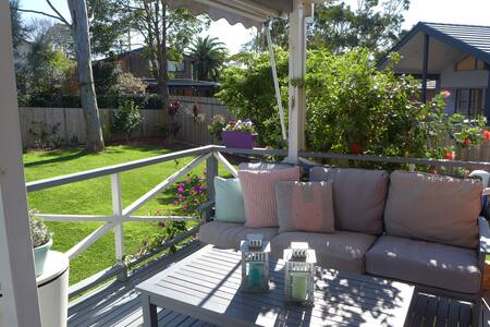 Tropical 3 bedroom retreat close to Manly - Allambie Heights