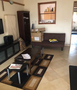 One bedroomed Kansanga apartment with everything