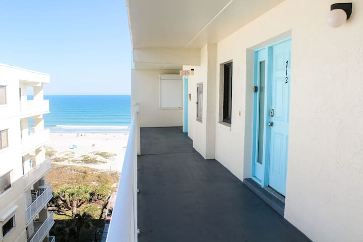 Gorgeous Private Beach Front Condo @ Sandcastles!! - Cocoa Beach - Appartement en résidence