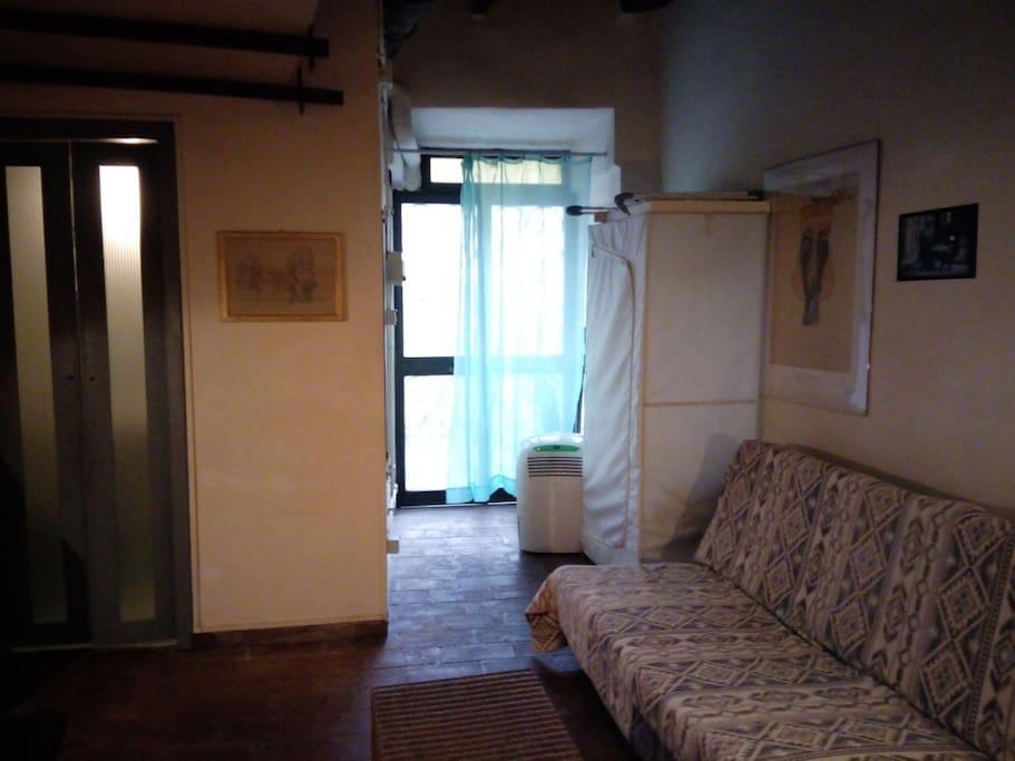 Trastevere studio porta settimiana apartments for rent for Studio apartments in rome