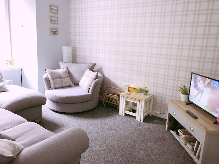 Bright, central 1 bedroom first floor flat