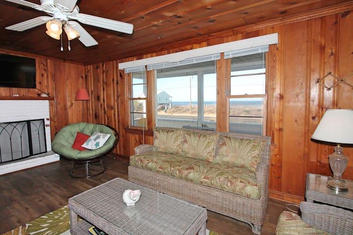 Semi-Oceanfront Beach Cottage in Kitty Hawk!