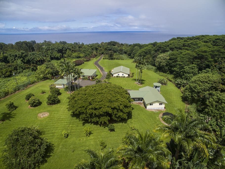 Ola Kai Cottage is on Ola Kai Estate and has lovely ocean views from the rural location