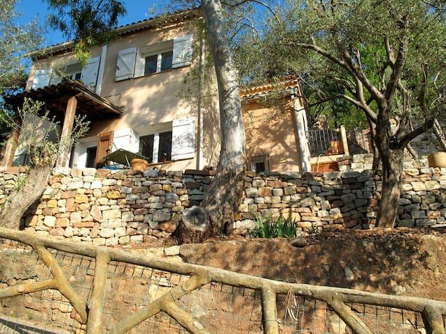 L'Oustalet, maison avec jardin en restanques - Cuers - Casa