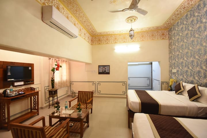 Impeccable Deluxe Room Mahal style at Jaipur