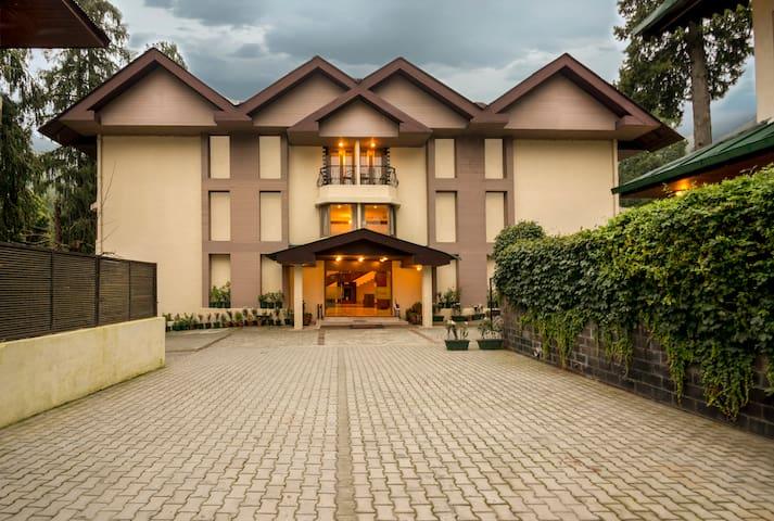 Vikram Vintage Inn - Two Bedroom Suites - Nainital - Boutique-hotell