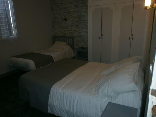 hôtel l auberge st Christophe chambre  NUMÉRO 2