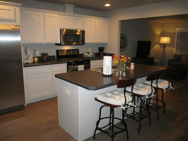 Yellowstone River Townhome - San Antonio - Appartement