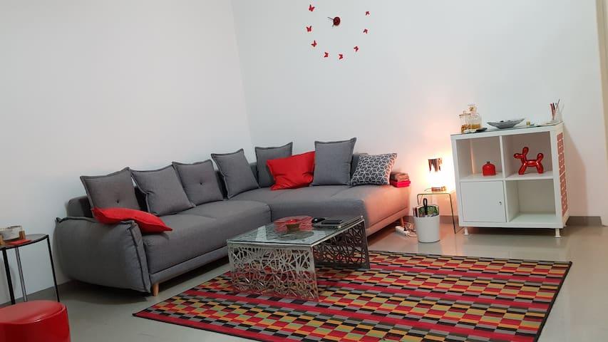 Beau meublé type F2 de 75m2 bien situé et équipé