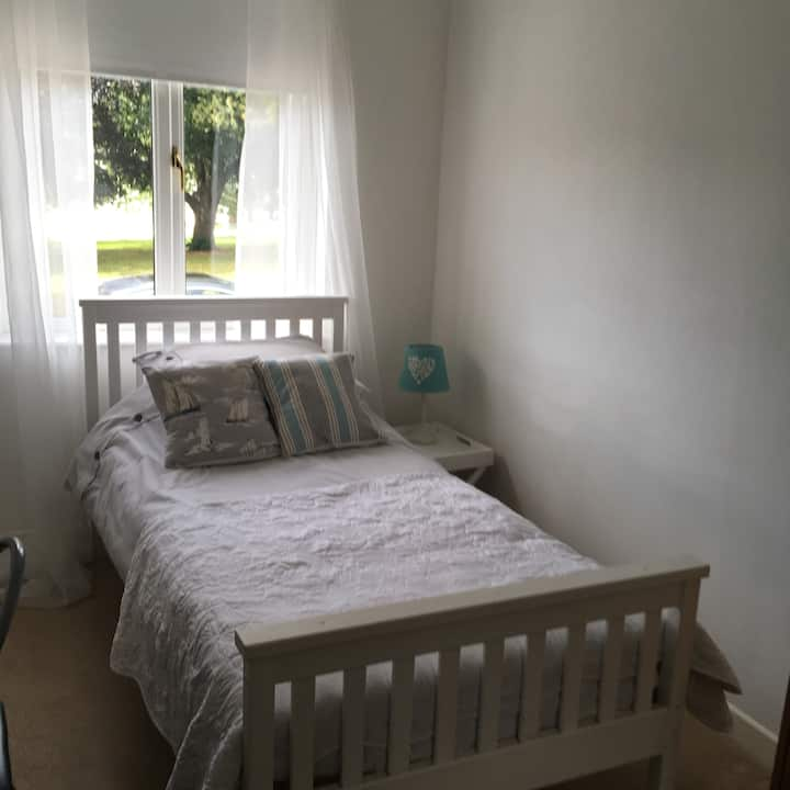 Close to , university, trains,city,Free parking,